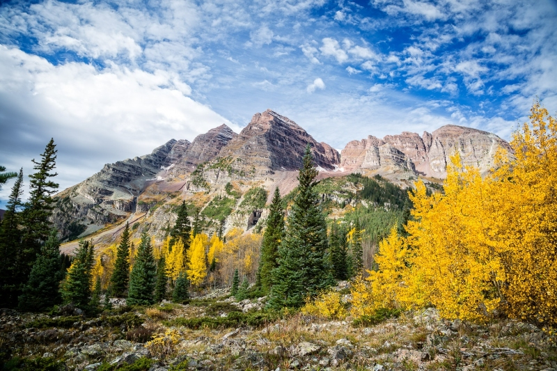 Maroon Bells and yellow aspens